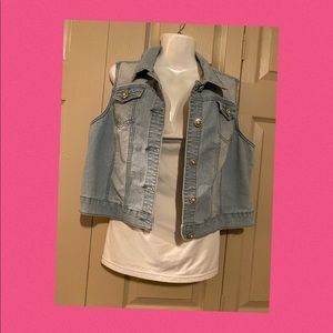 Blue jean sleeveless vest no tag